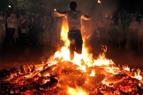 Solsticio de verano y ritos de la noche de San Juan en Asturias y Galicia