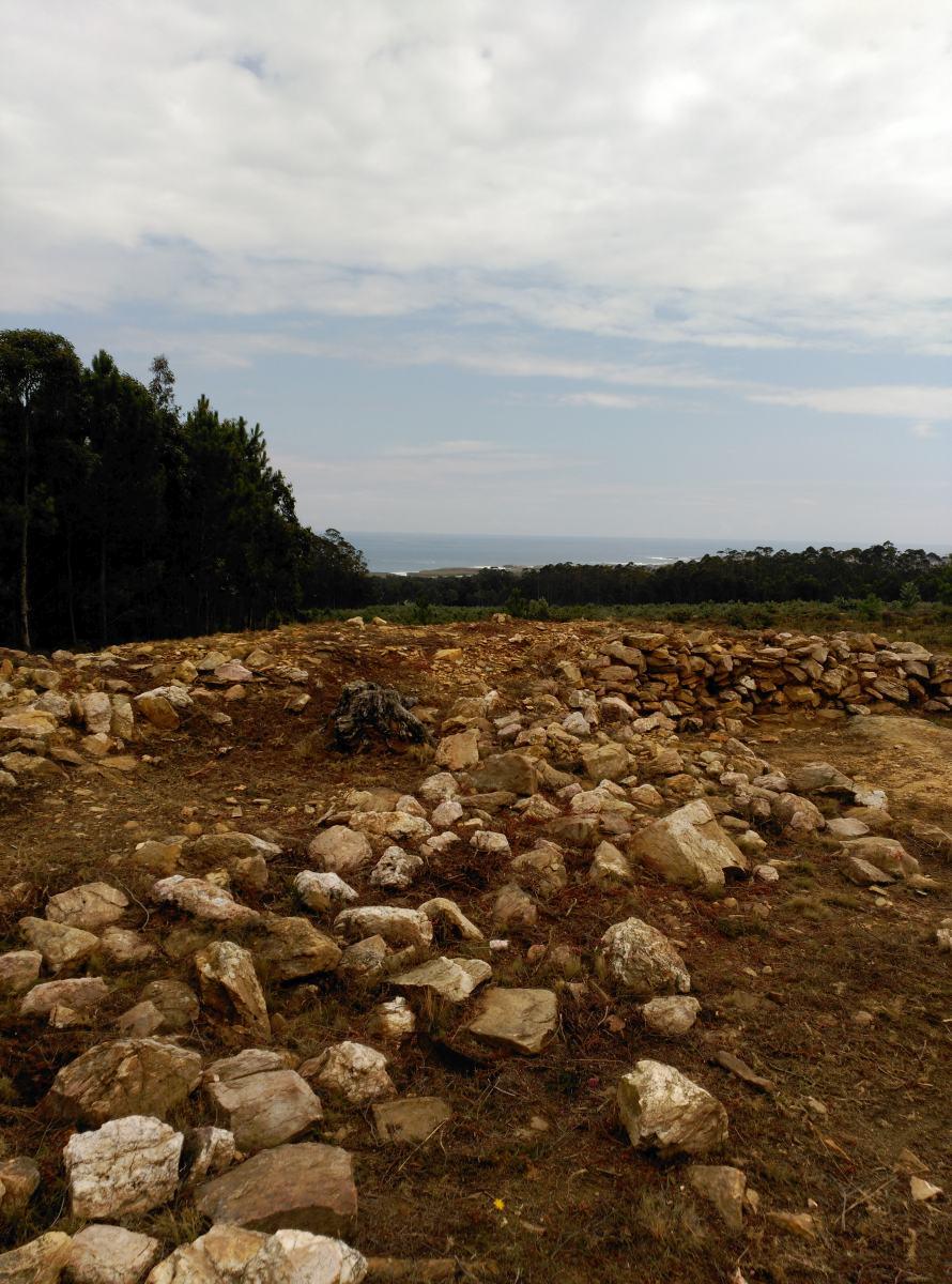 """Algunas fotos del """"henge"""" de Barreiros, Lugo."""