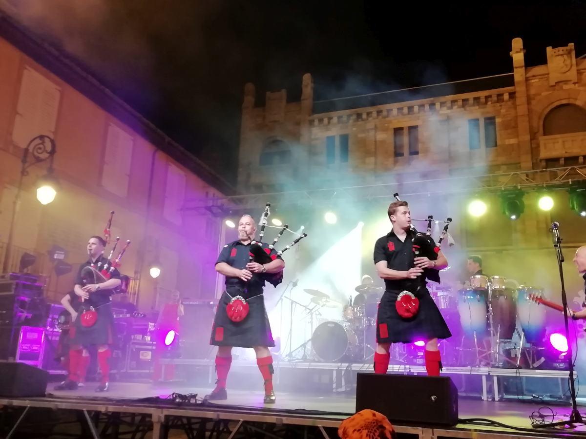 Unas fotos del concierto de los Red Hot Chilli Pipers en el Festival celta del reinu de Llíón 2019