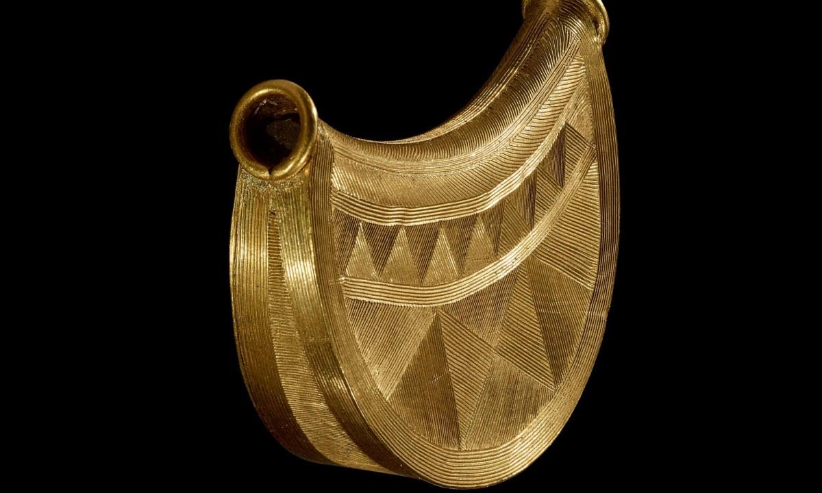 El colgante de Shropshire se va al Museo Británico. La joya más espectacular de la Edad del Bronce descubierta en los últimos 100 años