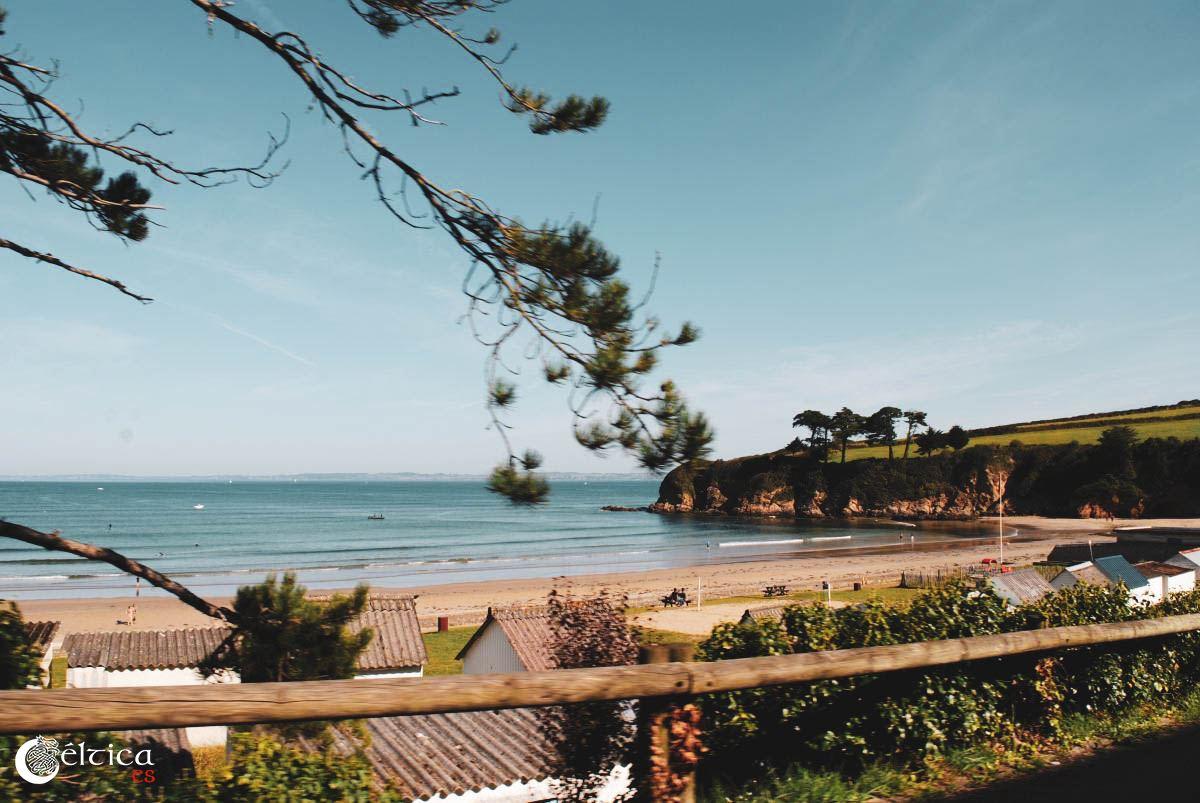 Hay un montón de playas por la zona