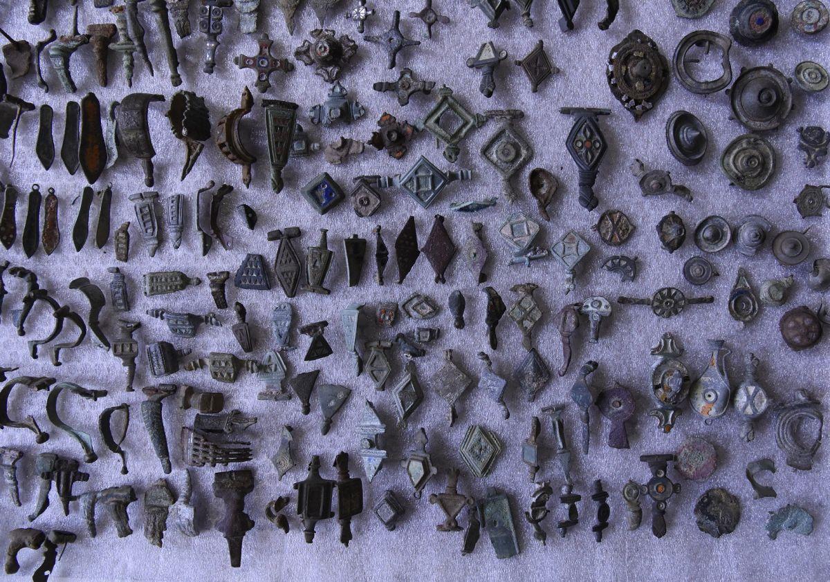 Detenido en Francia un detectorista con más de 27000 objetos, incluidos de época romana y celta